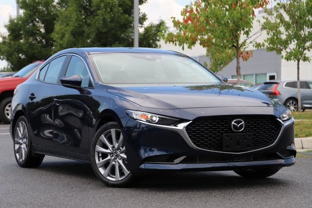 New 2019 Mazda3 Preferred Base FWD 4D Sedan