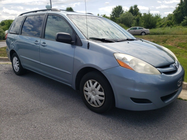 Pre-Owned 2007 Toyota Sienna CE