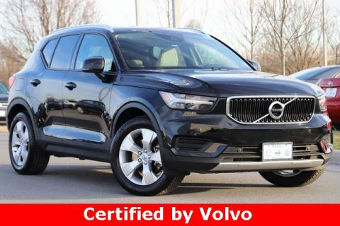 Pre-Owned 2019 Volvo XC40 Momentum AWD